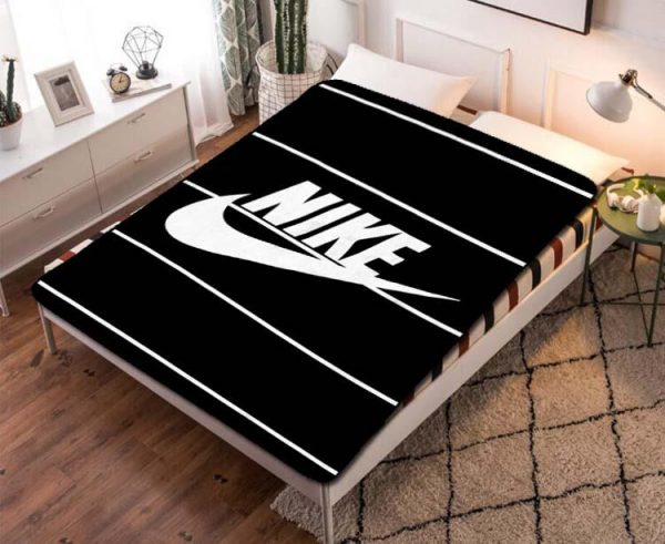 Nike Stripes Fleece Blanket Quilt