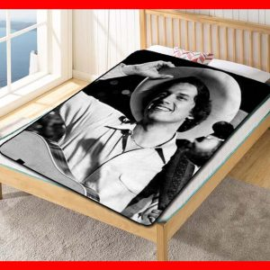George Strait Young Fleece Blanket Throw Quilt