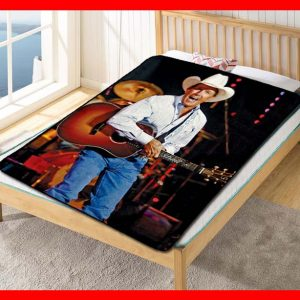 George Strait On Stage Quilt Blanket Fleece Throw