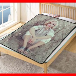 Marilyn Monroe #2373 Blanket Quilt Bedding Bedroom Set